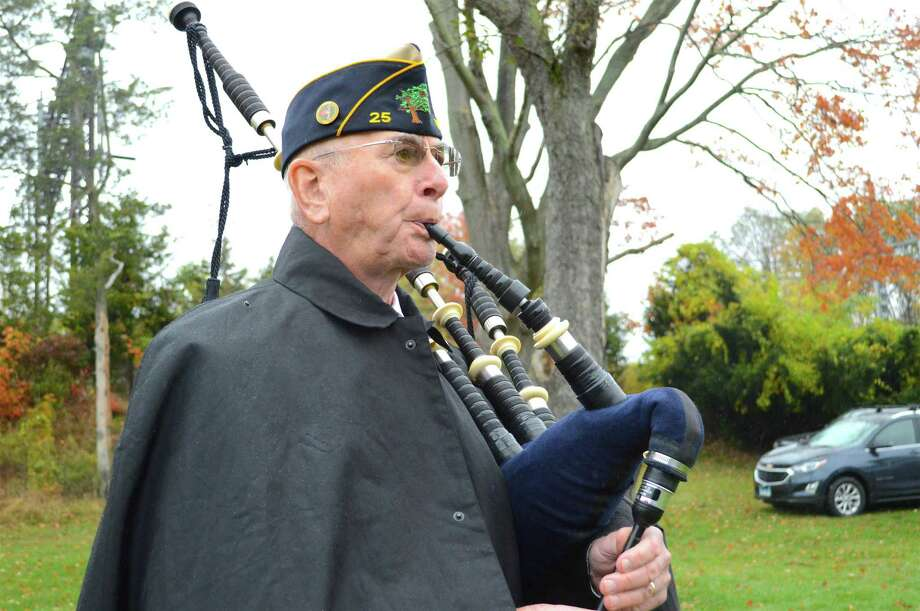 Art Beagan of Fairfield plays bagpipes at the Field of Valor ceremony in Jennings Park, organized by the Kiwanis Club of Fairfield, Sunday, Nov. 5, 2017, in Fairfield, Conn. Photo: Jarret Liotta / For Hearst Connecticut Media / Fairfield Citizen News Freelance