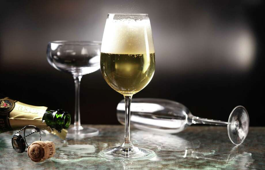 Pour your bubbly into a glass you'd use for still wine. You'll thank us later. (Abel Uribe/Chicago Tribune/TNS) Photo: Abel Uribe, MBR / Chicago Tribune