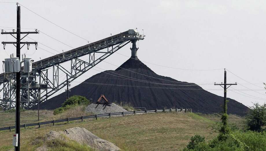 A Luminant Mining Co. coal mine working in Tatum, Texas in 2013. Because of cheap natural gas, Luminant has had to close some coal-fired generating plants. This is a function of market forces that the Trump administration will not be able to stem. Photo: LM Otero /AP / AP