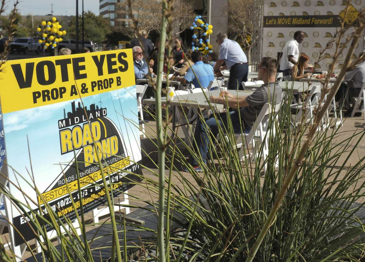 The Midland Chamber of Commerce hosted a lunch on the plaza 11/06/17 for a last Get Out the Vote rally to encourage Midlanders their last chance to vote Tuesday for the Road Bond. Tim Fischer/Reporter-Telegram