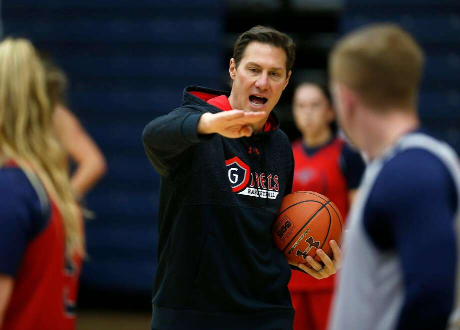 Saint Mary's women's basketball head Coach Paul Thomas gives directions during Monday's practice. Photo: Michael Macor, The Chronicle