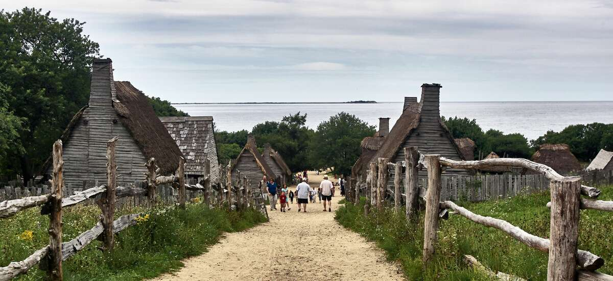3. Today, a special part of Plymouth, Massachusetts, looks just as it did in the 17th century. Modeled after an English village and a Wampanoag homesite, the historic attraction Plimoth Plantation stays true to its roots. You can order tickets as early as June to attend a Thanksgiving dinner complete with numerous authentic courses, tales of colonial life and centuries-old songs.