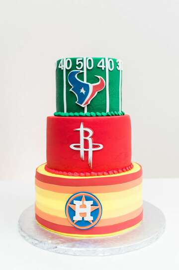 3of32Mont Belvieu Native And Houston Sports Fan Joseph Austin His Newly Wed Wife Erin Worked Together To Produce An Epic Themed Cake For