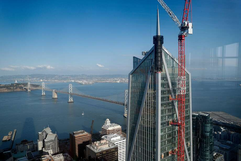 The still-under-construction 181 Fremont building is visible from an office at the Salesforce Tower in San Francisco, Calif., Thursday, November 2, 2017. Photo: Carlos Avila Gonzalez, The Chronicle
