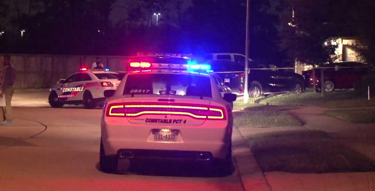 Two people died late Tuesday in an apparent murder suicide in northwest Harris County. (Metro Video)