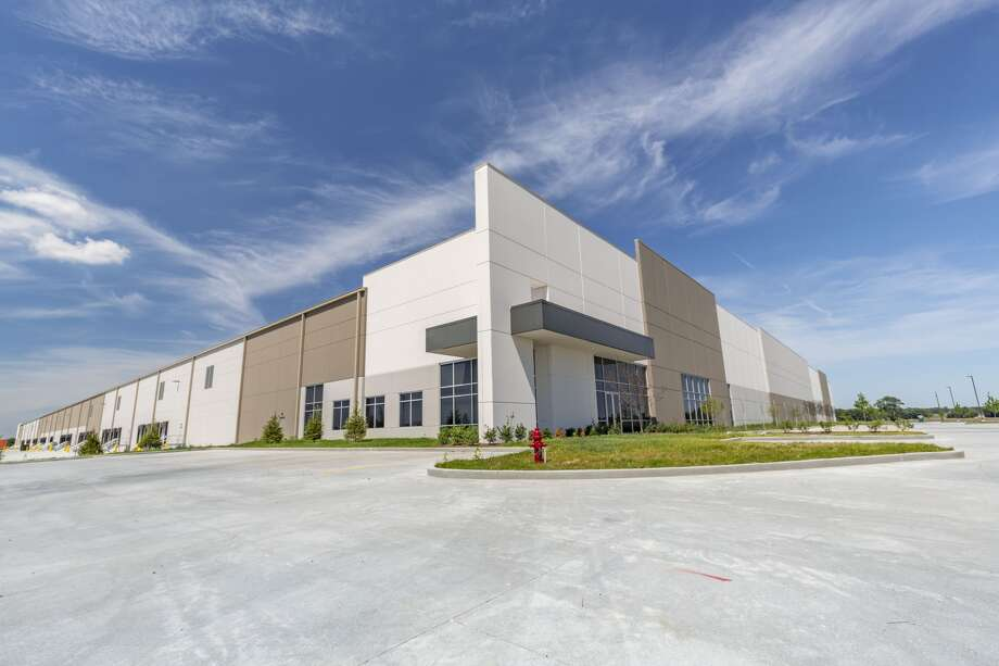 TriStar Properties sold two new distribution centers at the Gateway Commerce Center in Edwardsville. Photo: For The Intelligencer