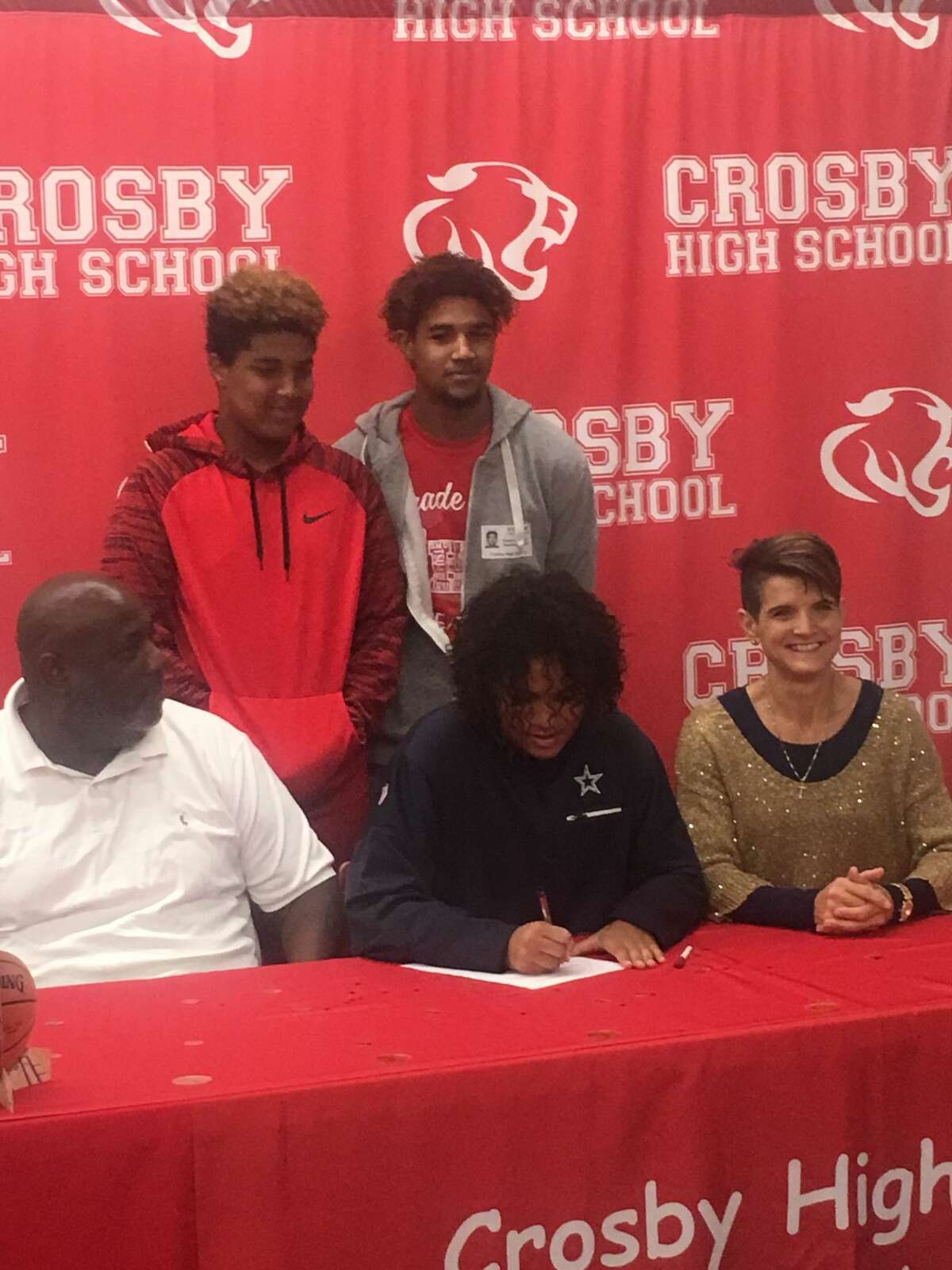 Crosby's Sloan Casey makes her commitment official to play basketball at Texas A&M-Commerce during the early signing period on Nov. 8, 2017.