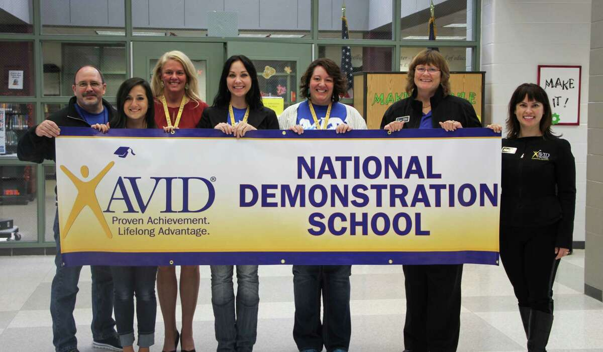 Pictured from left to right: Kenneth Buck, Timberwood Middle School principal; Ashley Diosdado, Timberwood Middle School AVID teacher; Sally Wagner, Humble ISD AVID Coordinator; Alaina Taylor, Timberwood Middle School AVID teacher; Angela McDaniel, Timberwood Middle School AVID teacher;Barbara Copeland, Assistant State Director of AVID - Southern Region; and Mercy Jesswani, AVID Program Manager - California Division.