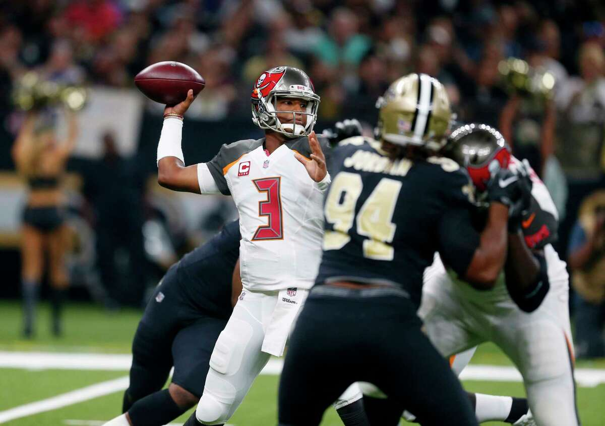 Tampa Bay Buccaneers quarterback Jameis Winston (3) passes in the first half of an NFL football game against the New Orleans Saints in New Orleans, Sunday, Nov. 5, 2017. (AP Photo/Butch Dill)