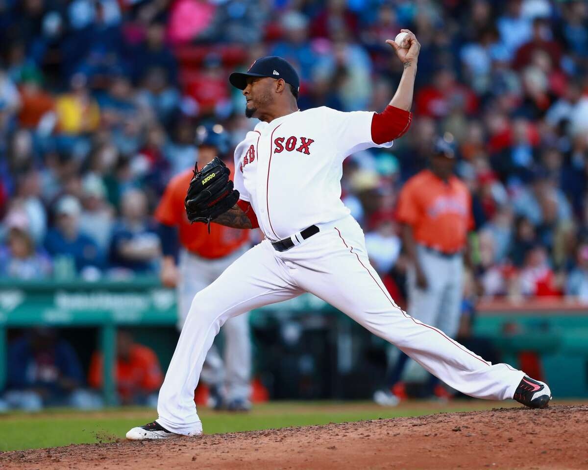 BOSTON, MA - OCTOBER 01: Pitcher Fernando Abad #58 of the Boston Red Sox pitches in the top of the seventh inning during the game against the Houston Astros at Fenway Park on October 1, 2017 in Boston, Massachusetts. (Photo by Omar Rawlings/Getty Images)