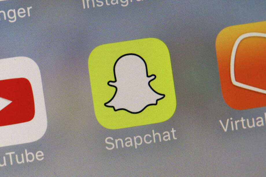 Enrique Roman Martinez Jr. allegedly used YouTube and Snapchat to get explicit photos of a 10-year-old Florida girl, according to the FBI. Photo: Richard Drew /Associated Press / AP