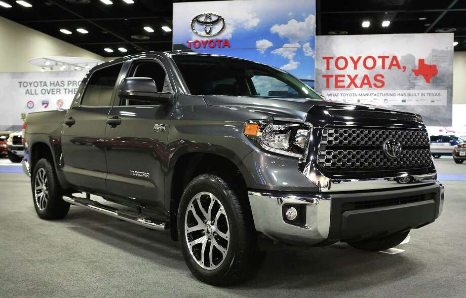 Toyota Tundra sales rose in November by 1.3 percent from the same month in 2016, the company reported Friday. Photo: Bob Owen /San Antonio Express-News / ©2017 San Antonio Express-News