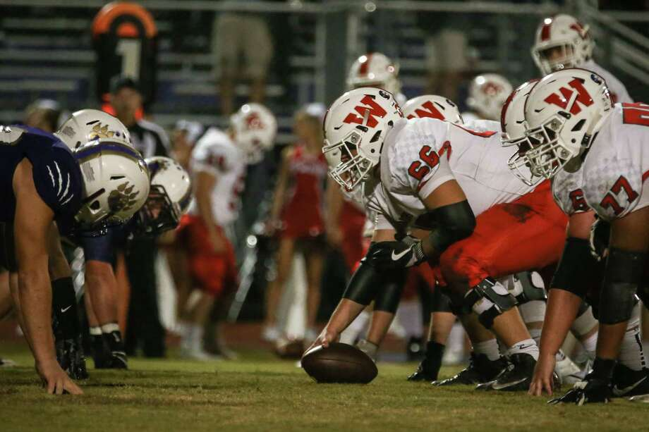 The Woodlands offensive line faces off with Montgomery during the varsity football game on Friday, Nov. 3, 2017, at Bears Stadium in Montgomery. (Michael Minasi / Houston Chronicle) Photo: Michael Minasi, Staff Photographer / © 2017 Houston Chronicle