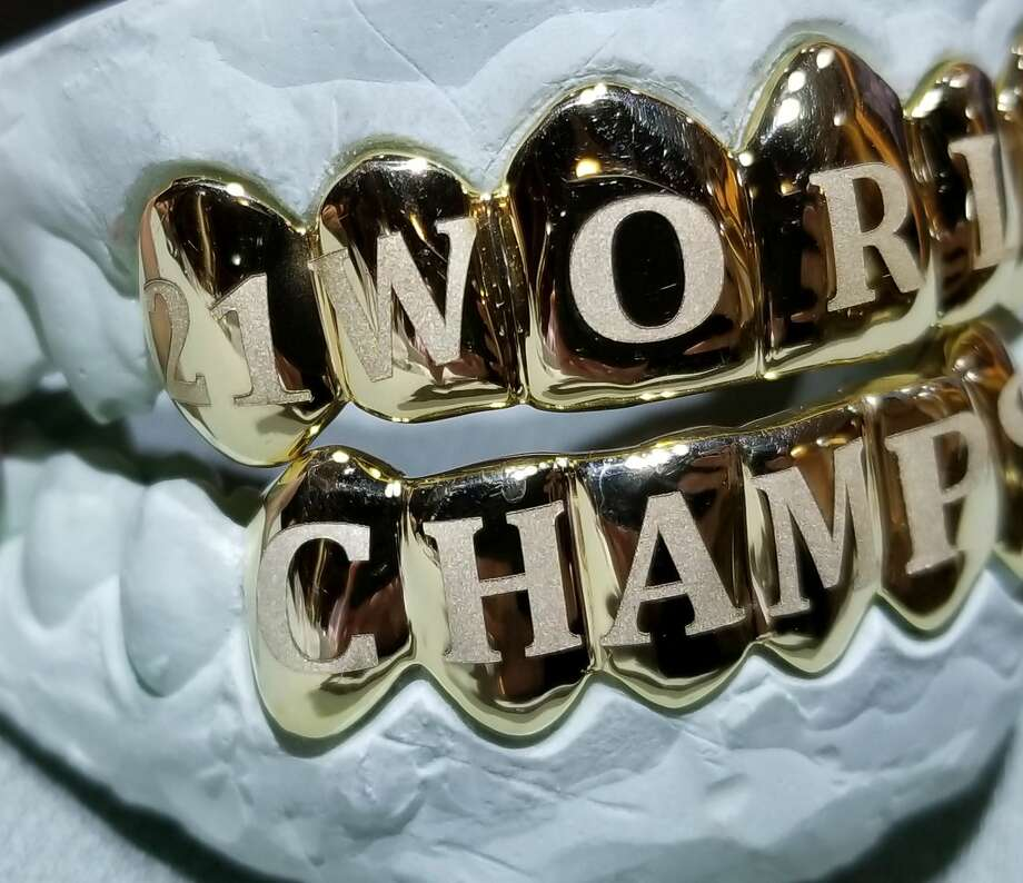 The World Series grill made by Johnny Dang & Co. for Astros left fielder Derek Fisher. Photo: Demetrio Teniente