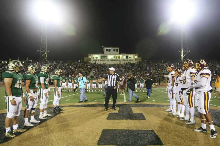 The McCollum Cowboys and Harlandale Indians faced off Nov. 4 in the 53rd edition of the Frontier Bowl. The game is traditionally held the final week of the regular season, and in many years, the outcome has determined a playoff berth. This year, however, that wasn't the case. With neither team headed to the postseason, the game was for bragging rights only. Harlandale won the rivalry game 48-41, before an estimated crowd of 10,000. Pre-game festivities included tailgating parties and recognition of Harlandale ISD's Hall of Fame honorees for 2016. Photo: Courtesy Photo / Courtesy Photo