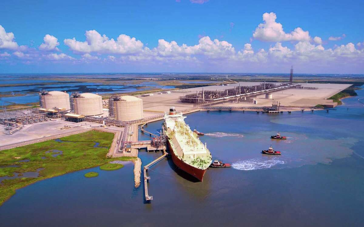 The proposed Cameron Liquefied Natural Gas export project in Hackberry, La., has conditional Energy Department approval to export 1.7 billion cubic feet per day. Partners include Sempra LNG, GDF Suez, Mitsubishi Corp., Nippon Yusen Kabushiki Kaisha and Mitsui. (Sempra LNG photo)