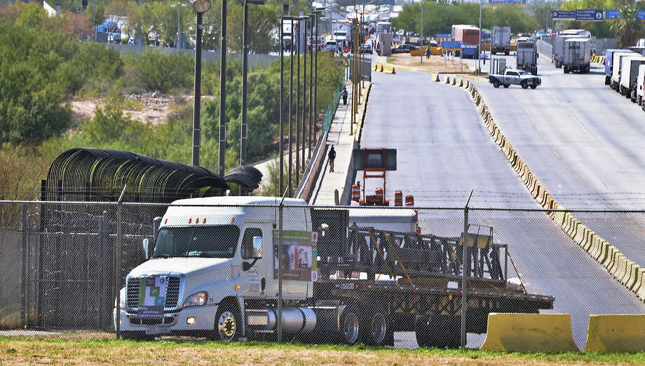 Us is said to seek nafta restrictions on mexican trucking the first commercial truck from mexico that will travel to garland texas from apocada sciox Images