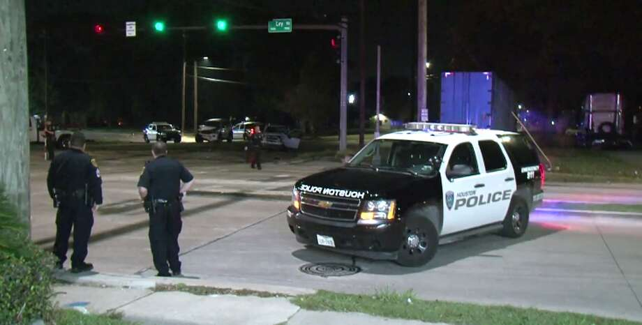 A police officer was injured late Thursday after a car crash involving a possibly intoxicated driver. (Metro Video) Photo: Metro Video