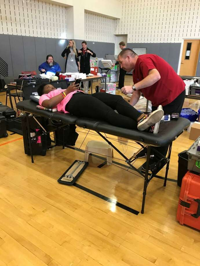 Stamford High students recently helped the American Red Cross blood drive in the school's gym. Photo: Daniel Collazo / Contributed Photo