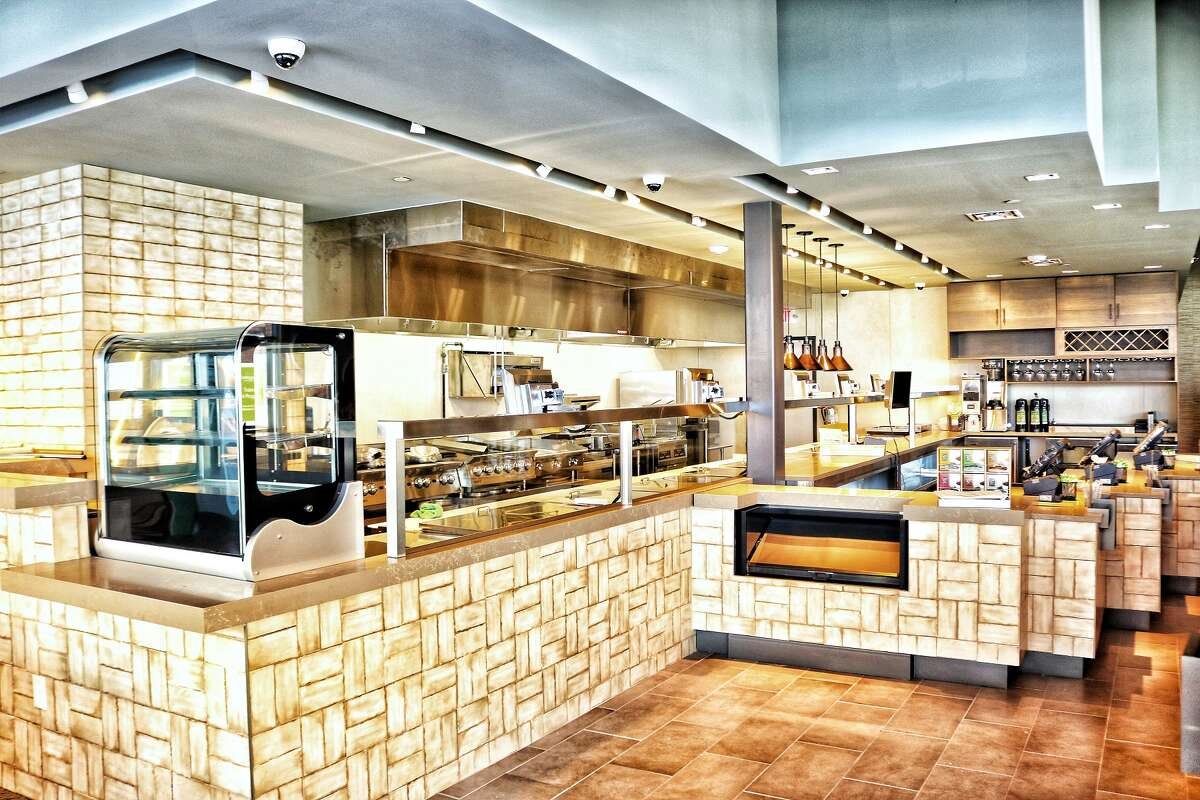 Bellagreen in Vintage Marketplace is a prototype for the restaurant's rebranding efforts away from the Ruggles Green name. This restaurant represents how the brand will look as it continues to expand in Texas.
