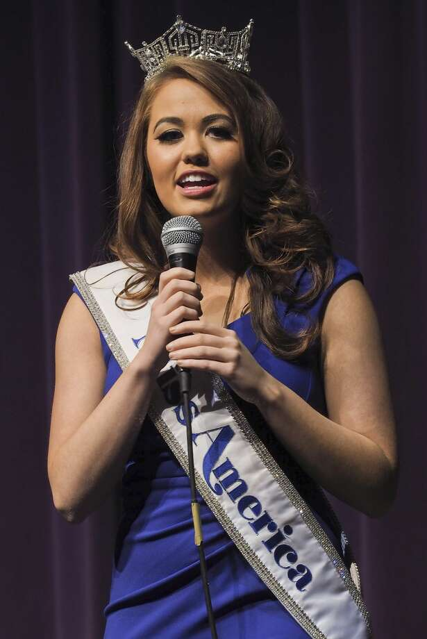 Cara Mund, Miss America 2018, speaks 11/10/17 at Midland High School to area elementary students. Tim Fischer/Reporter-Telegram Photo: Tim Fischer/Midland Reporter-Telegram