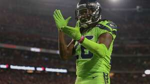 GLENDALE, AZ - NOVEMBER 09:  Cornerback Shaquill Griffin #26 of the Seattle Seahawks celebrates a defensive stop make in the first half against the Arizona Cardinals at University of Phoenix Stadium on November 9, 2017 in Glendale, Arizona.  (Photo by Christian Petersen/Getty Images)
