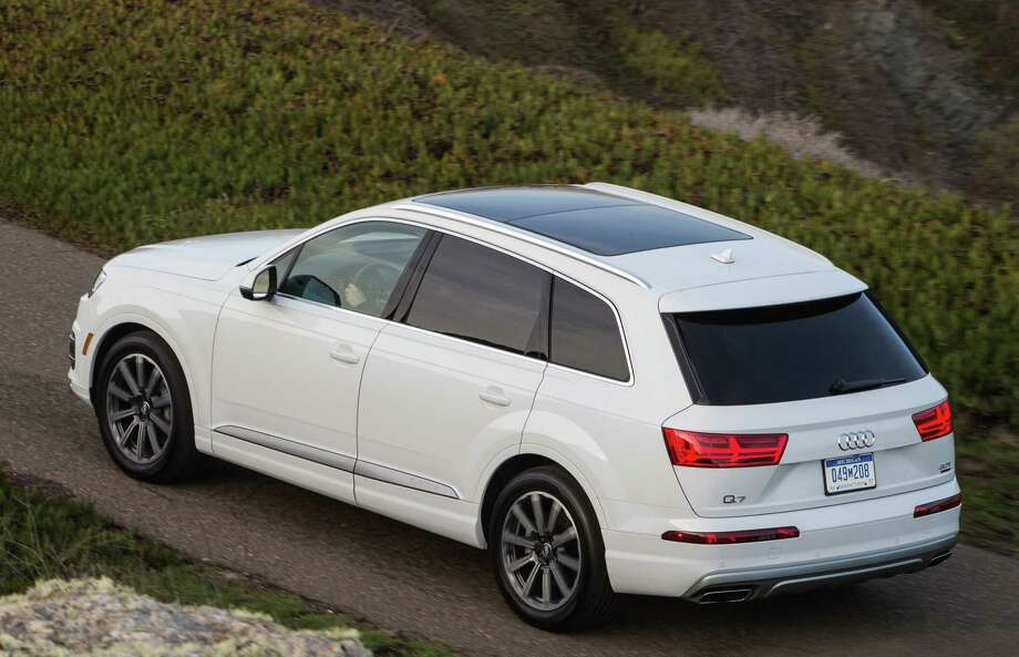 The second generation of the Audi Q7 midsize seven-passenger SUV, which arrived for 2017, brings benchmark connectivity, infotainment, and driver-assistance technology, along with revised styling, more room, improved fuel economy, new technology and a new turbocharged four-cylinder engine. Photo: Audi USA / 2013 Jim Fets Photography