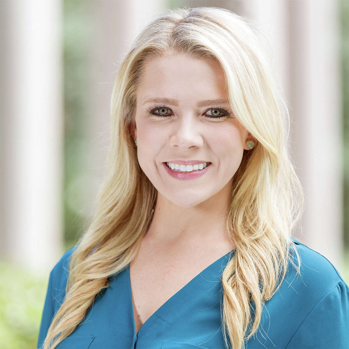 Sydney Dixon has joined CBRE as a senior associate on its retail services team. Dixon joins CBRE from Waterman Steele Real Estate Advisors, where she focused on tenant representation for regional and national tenants. She brings an extensive background working with landlords on project leasing and foreclosure dispositions.