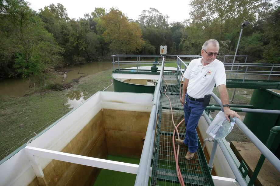 Larry Gray talks about sewage treatment plant at the Bear Creek Pioneers Park, 3535 War Memorial Drive, that was flooded during Hurricane Harvey. Photo: Melissa Phillip, Houston Chronicle / © 2017 Houston Chronicle