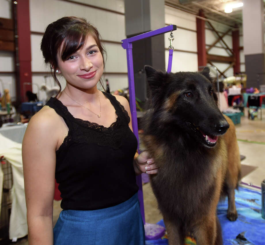 Samantha Niemeck and Disney a Belgium Tervuren at the Texas Star Cluster All-Breed Dog Show at Ford Park on Friday. Photo taken Friday November 10, 2017 Guiseppe Barranco/The Enterprise Photo: Guiseppe Barranco, Photo Editor / Guiseppe Barranco ©