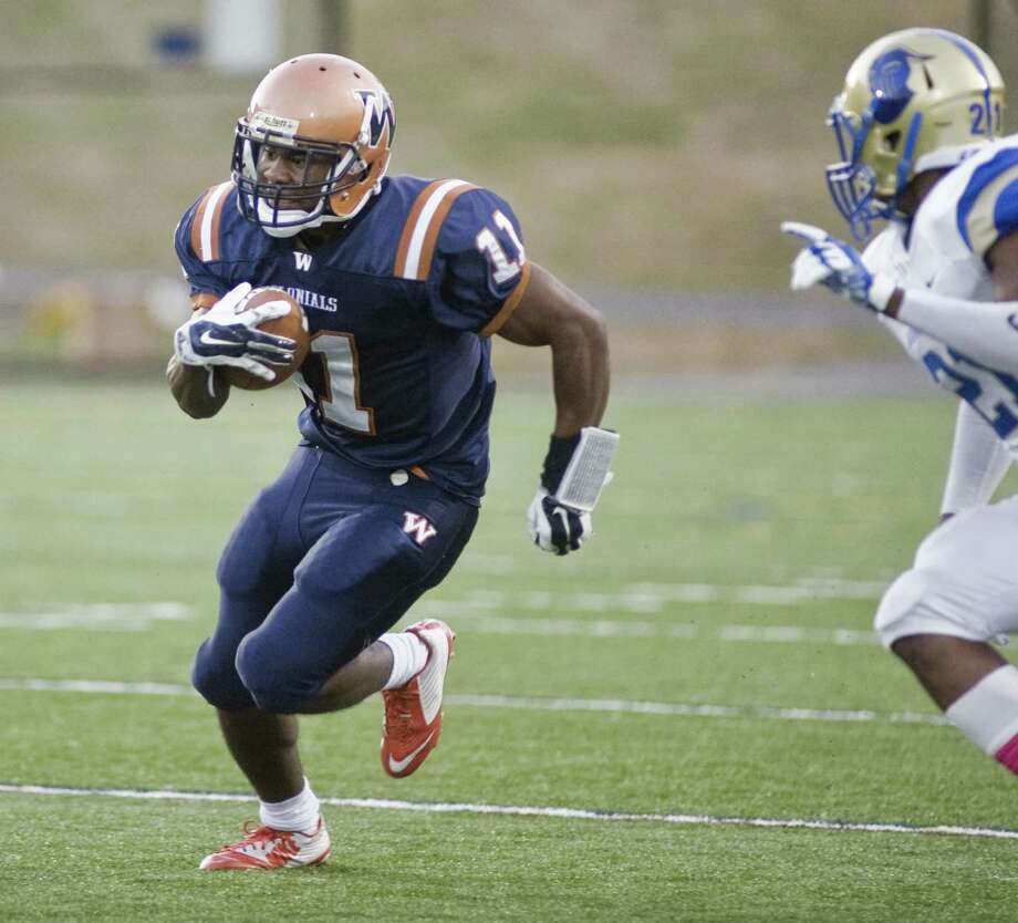 FILE PHOTO: WestConn Colonials Duane Gary flies up the field in a game against the Worcester Lancers, played at WestConn. Saturday, Oct. 7, 2017 Photo: Scott Mullin / For Hearst Connecticut Media / The News-Times Freelance