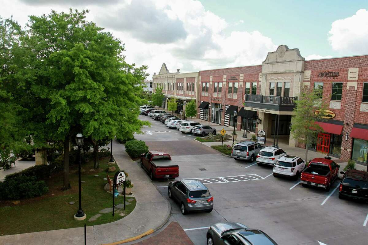 LaCenterra at Cinco Ranch. The mixed-use development opened 10 years ago and sits on 34 acres, with more that 75 shops and restaurants. (For the Chronicle/Gary Fountain, March 22, 2017)