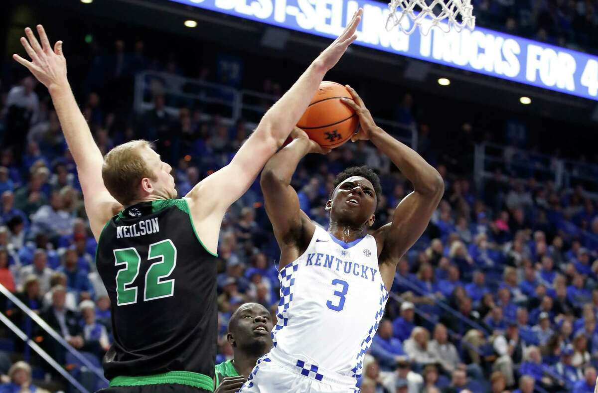 LEXINGTON, KY - NOVEMBER 10: Hamidou Diallo #3 of the Kentucky Wildcats shoots the ball against the Utah Valley Wolverines at Rupp Arena on November 10, 2017 in Lexington, Kentucky. Kentucky won 73-63. (Photo by Andy Lyons/Getty Images) ORG XMIT: 775058284