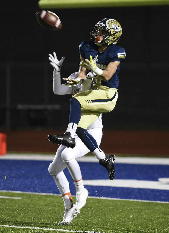 Alexander junior receiver Albert Laurel Jr. is participating is headed to the Alamodome Jan. 4-6 to participate in the National Combine. Photo: Danny Zaragoza /Laredo Morning Times File