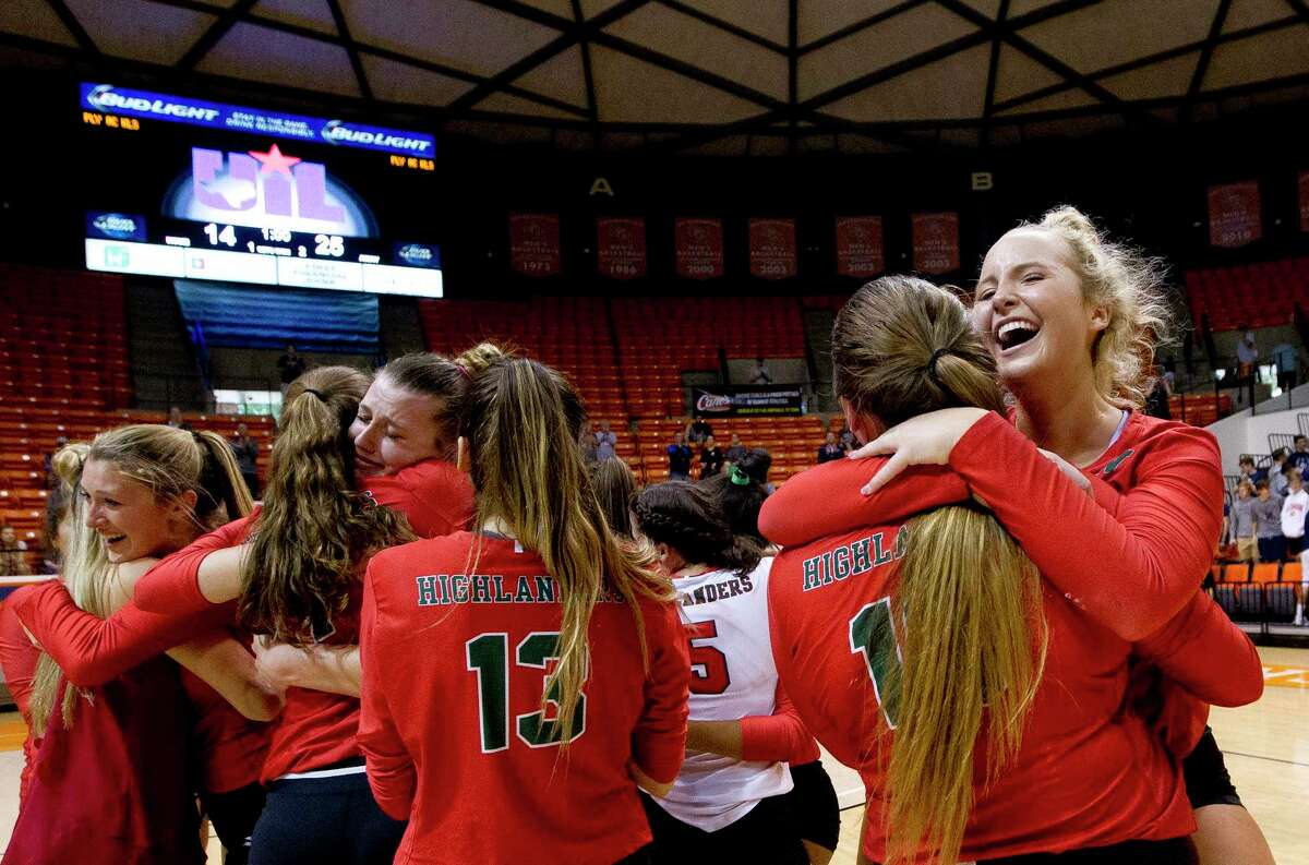 The Woodlands' Sophie Walls (8) reacts along with the rest of the Lady Highlanders after defeating College Park 3-1 during a Region II-6A final volleyball match at Johnson Coliseum, Saturday, Nov. 11, 2017, in Huntsville.