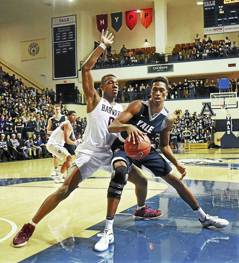 Yale's Jordan Bruner, right, is out for the season with a torn meniscus. Photo: Hearst Connecticut Media File Photo / Catherine Avalone/New Haven Register