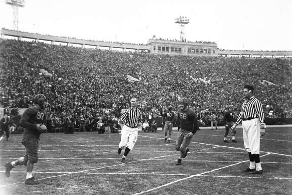 "The Cal Bear ""Thunder Team"" beats Alabama 13-0 in the Rose Bowl, Jan. 1, 1938. Vic Bottari scored both touchdowns."