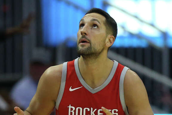 Houston Rockets forward Ryan Anderson (33) celebrates his three-pointer during the third quarter of an NBA game against the Memphis Grizzlies at Toyota Center on Saturday, Nov. 11, 2017, in Houston. ( Yi-Chin Lee / Houston Chronicle )