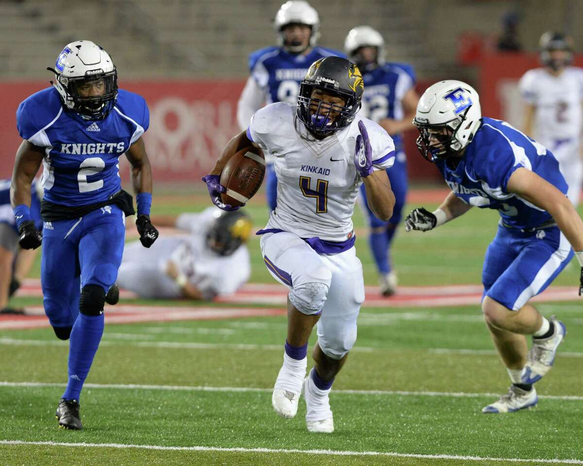 Josh Williams (4) of Kinkaid funs for a touchdown in the second quarter of SPC Football Championship game between the Kinkaid Falcons and the Episcopal Knights on November 11, 2017 at TDECU Stadium, Houston, TX.