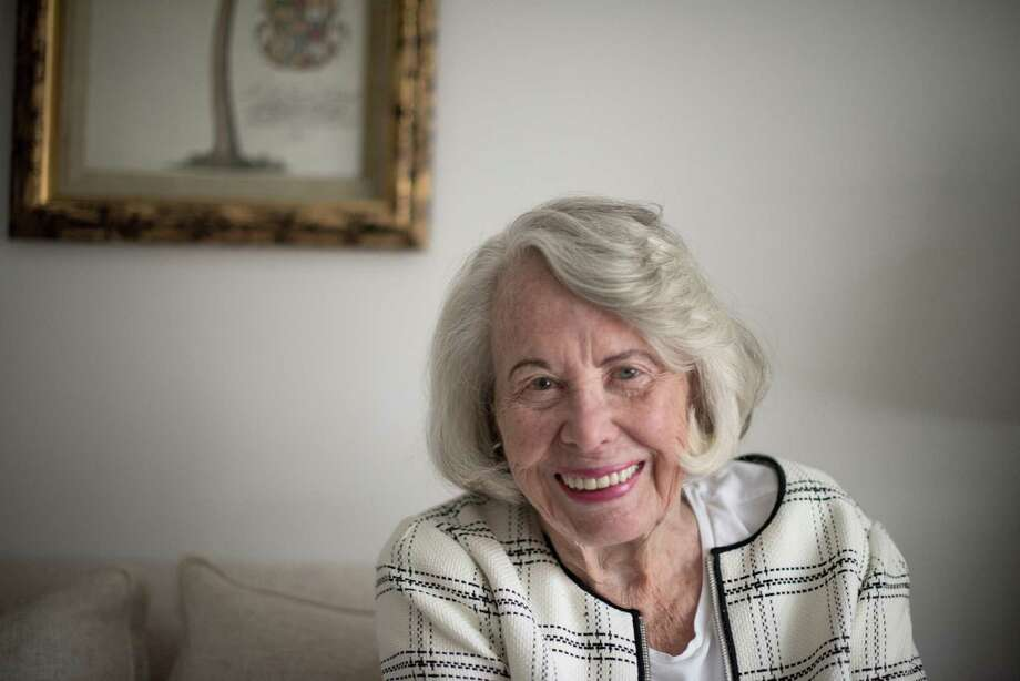 FILE Ñ Liz Smith in her apartment on Park Avenue, New York, July 13, 2017. Smith, the longtime queen of New YorkÕs tabloid gossip columns, who for more than three decades chronicled little triumphs and trespasses in the soap-opera lives of the rich, the famous and the merely beautiful, died on Sunday, Nov. 12, 2017, at her home in Manhattan. She was 94. (Hilary Swift/The New York Times) Photo: HILARY SWIFT, STR / NYT / NYTNS