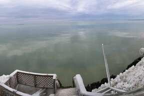 Frozen shoreline image