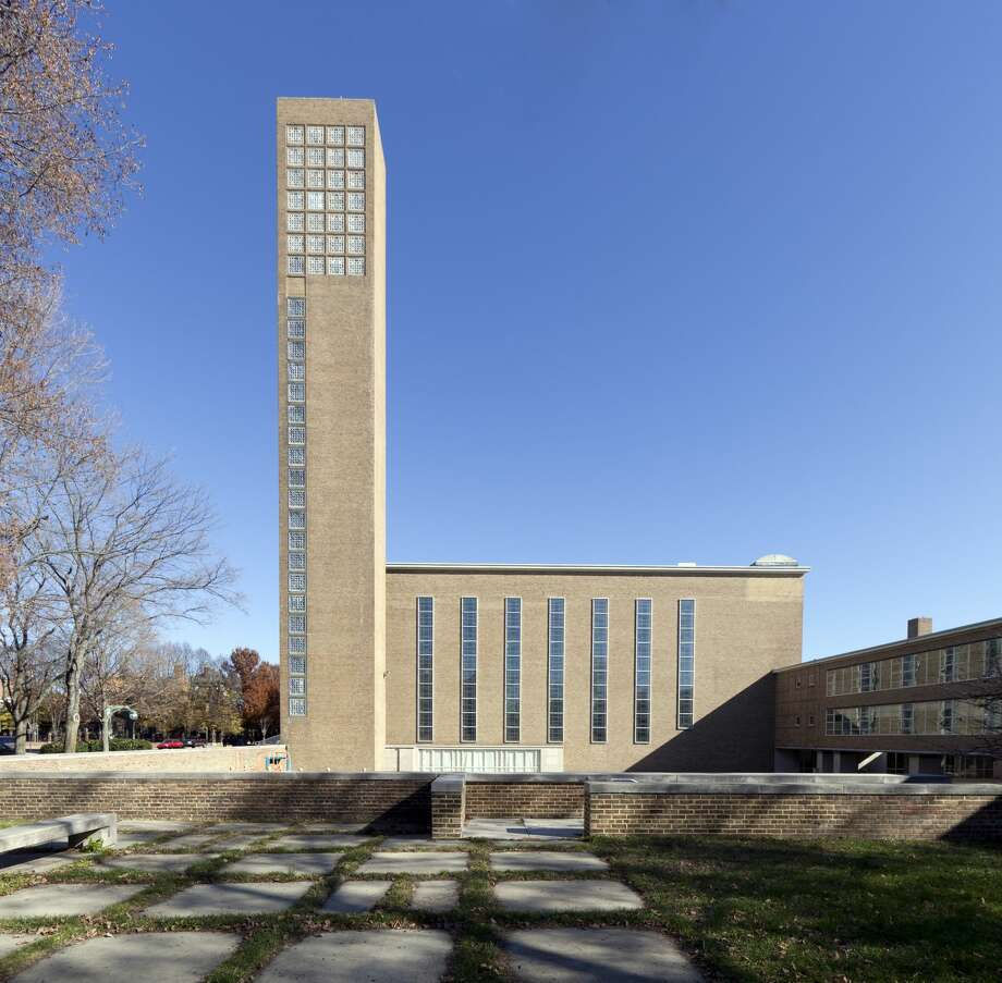 The First Christian Church, designed by Eliel Saarinen, was the first modernist building in Columbus, Indiana, and one of the first modernist churches in the U.S. Photo: Buyenlarge / Getty Images