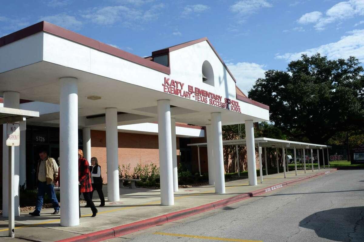 18.Katy Elementary School Katy Independent School District Student reading proficiency:95 percent Student math proficiency:95 percent Student to teacher ratio:14 to 1