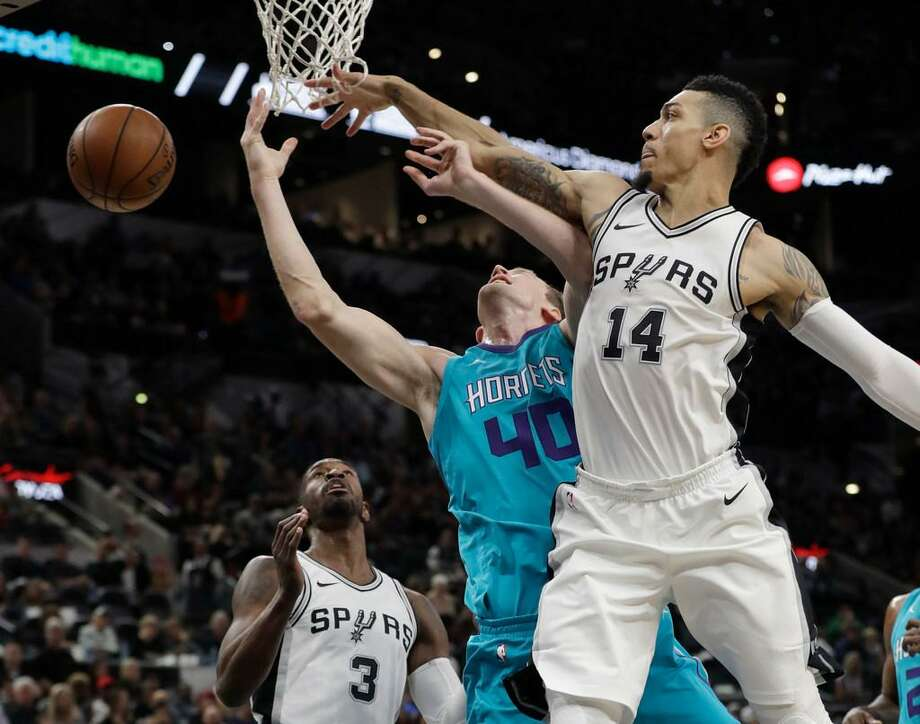 Charlotte's Cody Zeller has his shot blocked by the Spurs' Danny Green during a Nov. 3, 2017 game in San Antonio. Photo: Eric Gay /AP Photo