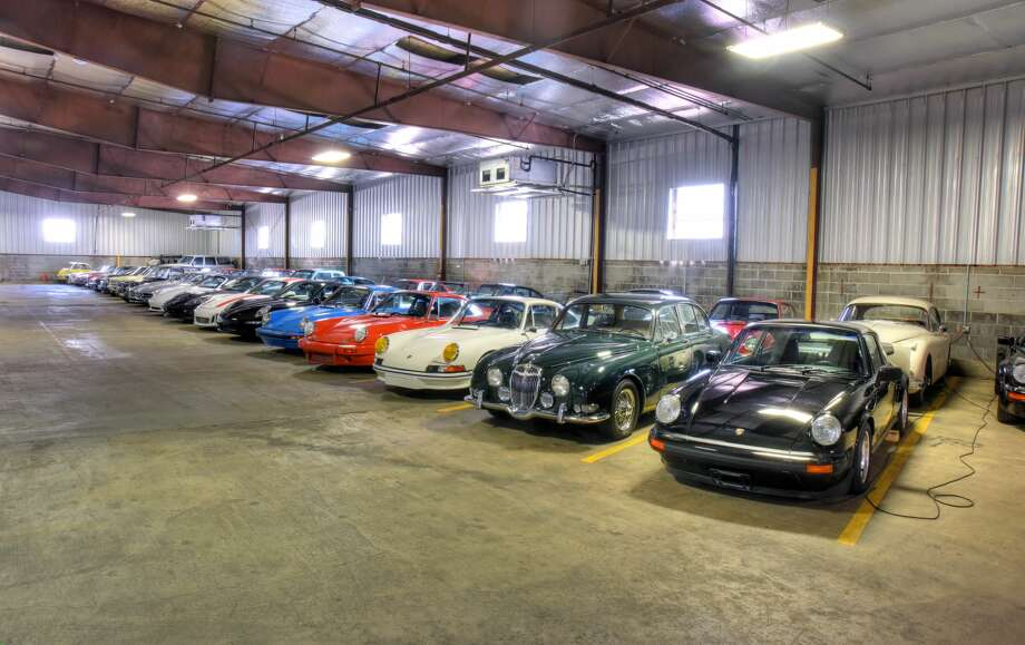Houston car garage worth more than 20 million houston for Garage automobile qui fait credit