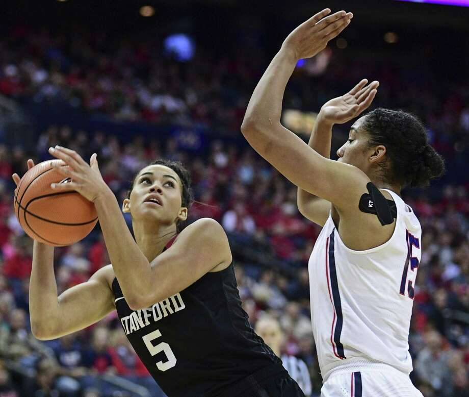 UConn's Gabby Williams, right, defends Stanford's Kaylee Johnson during Sunday's game in Columbus, Ohio. Photo: David Dermer / Associated Press / AP 2017