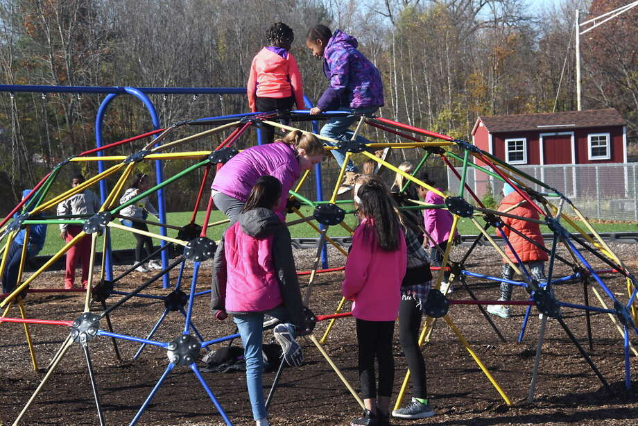 Kids play during recess at Blue Creek Elementary School on Wednesday, Nov. 8, 2017 in Latham, N.Y. (Lori Van Buren / Times Union) Photo: Lori Van Buren / 20042088A