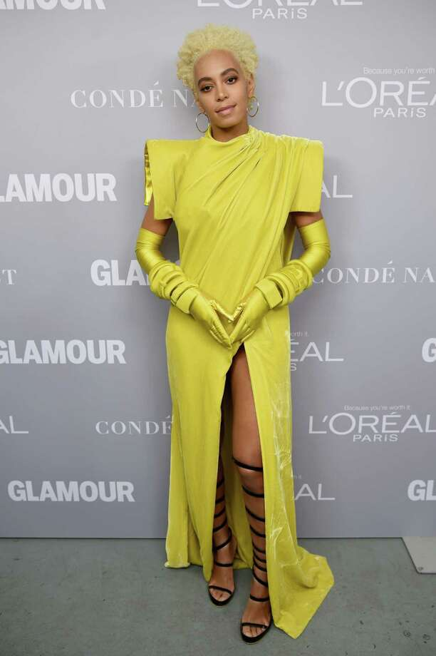BROOKLYN, NY - NOVEMBER 13:  Solange poses backstage at Glamour's 2017 Women of The Year Awards at Kings Theatre on November 13, 2017 in Brooklyn, New York. Photo: Dimitrios Kambouris, Getty Images For Glamour / 2017 Getty Images