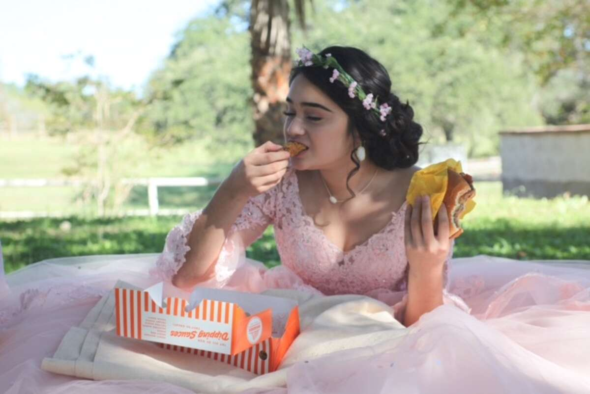 Evelyn Lopez Terrazas took her quinceanera photos to the next level by including Texas accents like cowgirl boots and, of course, Whataburger.READ MORE: Texas girl's Whataburger quinceanera photo shoot goes viral
