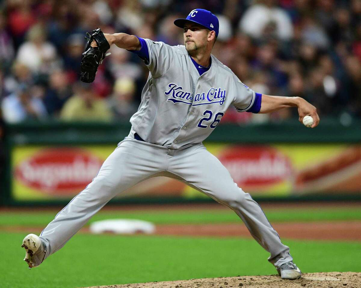 Mike Minor had a 2.55 ERA in 772⁄3 innings for the 2017 Royals.